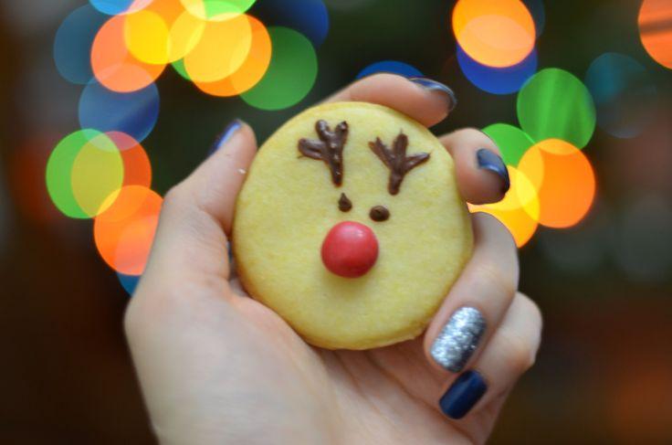 Red nosed Rudolph reindeer cookies