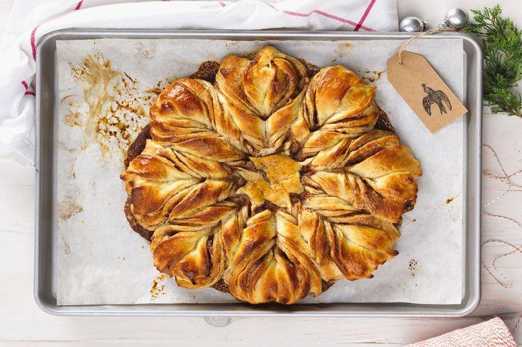 Cinnamon Star Bread via @kingarthurflour