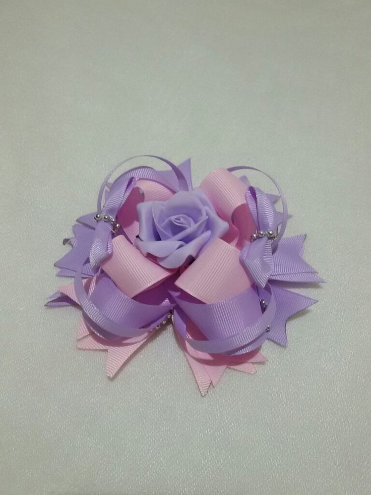 10$  Stacked bowtique bow
