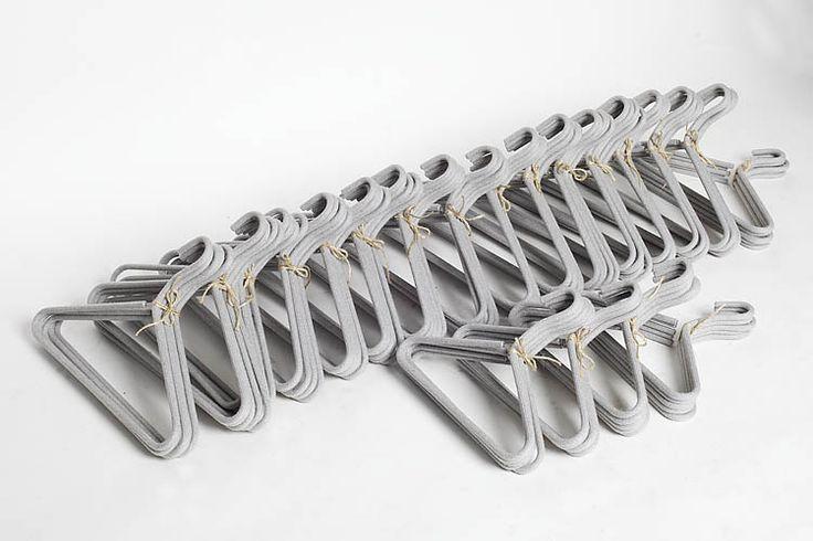 wieszaki na zamówienie dla RISK made in warsaw