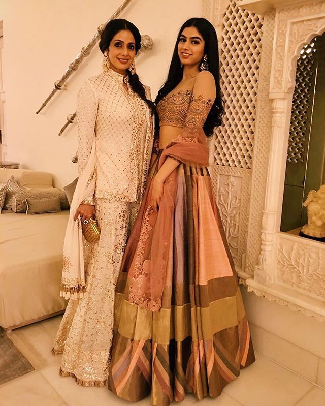 Sridevi & Khushi Kapoor both looked stunning in @manishmalhotra05 while at a Diwali party #bollywood #style #fashion #beauty #bollywoodstyle #bollywoodfashion #indianfashion #celebstyle #sridevikapoor #khushikapoor