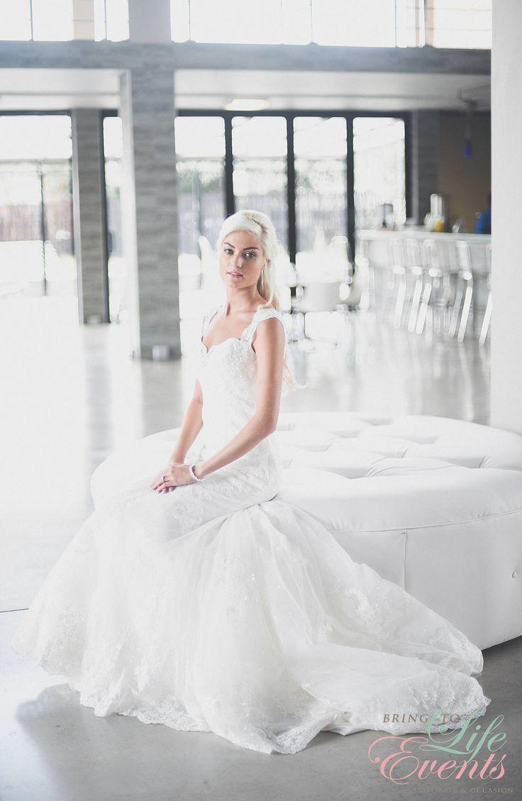 Elegant, Sophisticated & Gorgeous!!