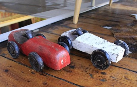 Troja wooden car toy - WARINGS Store