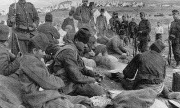 Griechen bewachen gefangene Türken im Raum Saloniki, Oktober/November 1912