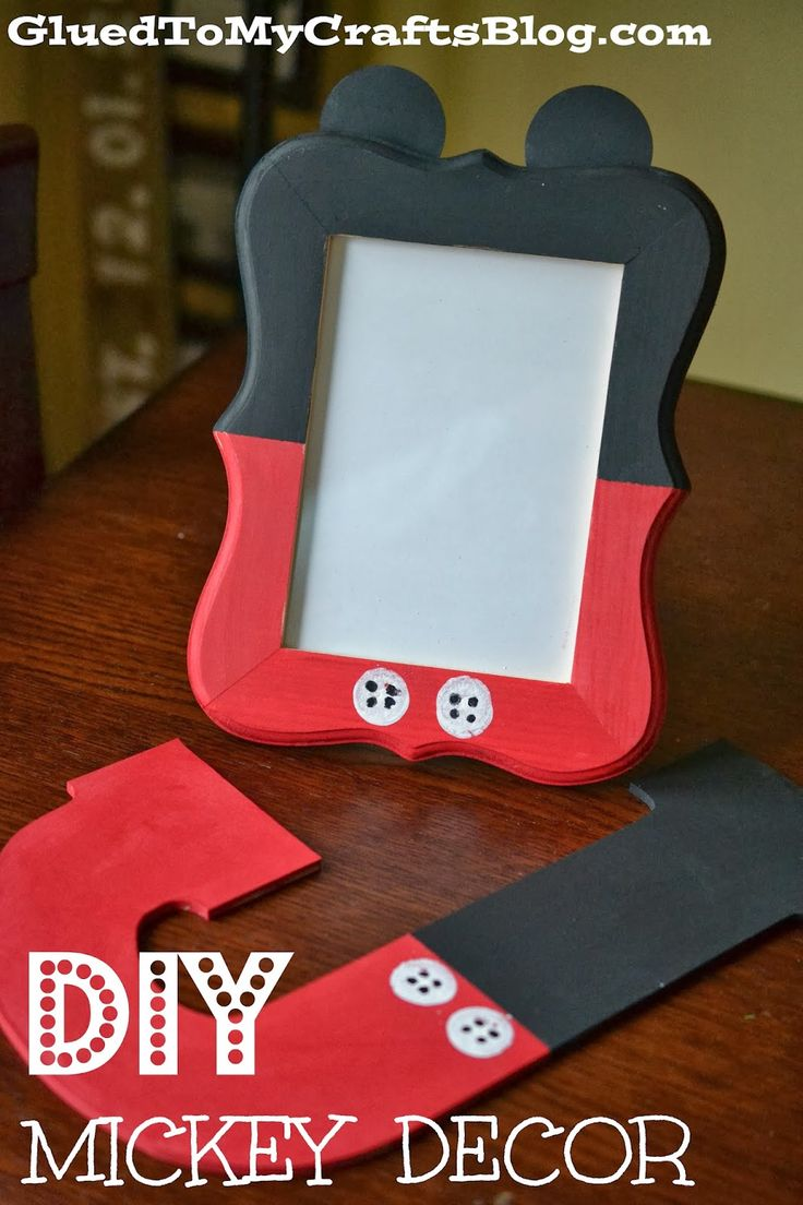DIY Mickey Decor {Craft} toally gonna make this for my sister but with minny mouse t