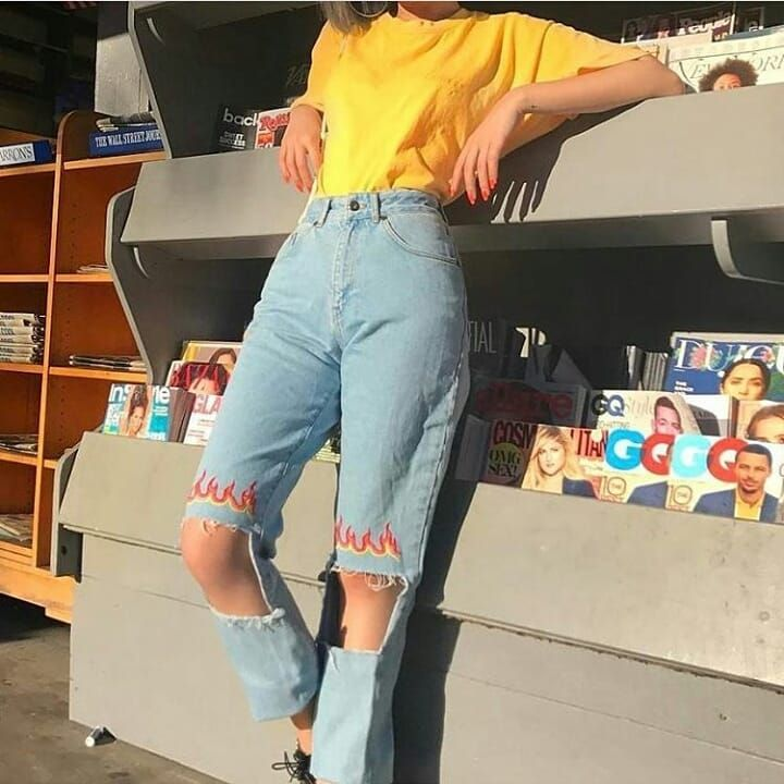 This Jeans Oh Gosh I Want Em Weheartit Tshirt Tumblroutfit Tumblr Outfits Pinterestoutfit Pint Aesthetic Clothes Retro Outfits Aesthetic Grunge Outfit
