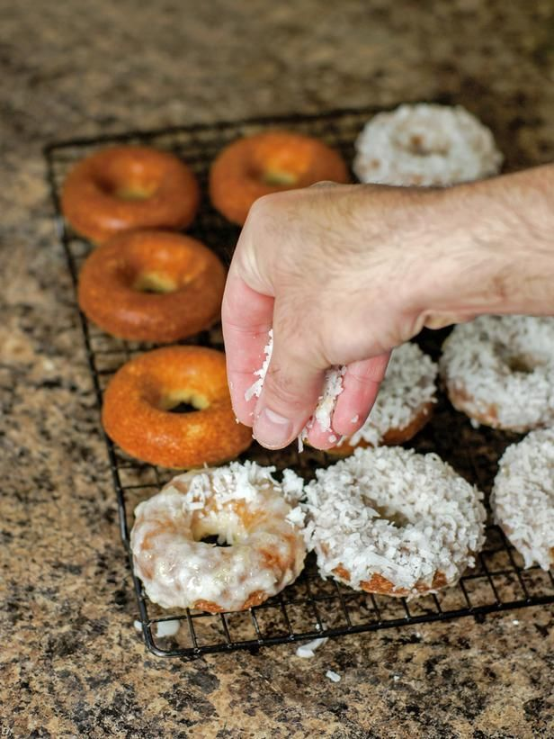 Pina Colada Baked Doughnuts Recipe: Recipe Doughnuts, Pina Colada, Sweets Treats, Baked Doughnuts, Bread Recipes, Desserts Sweets, Doughnuts Recipe, Colada Baked, Doughnut Recipes