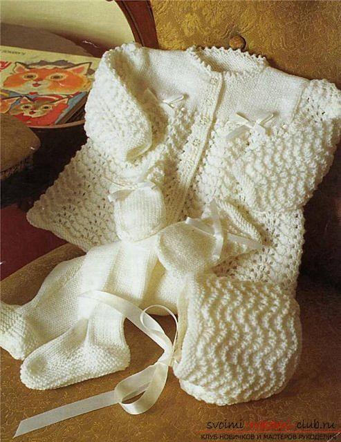 Универсальный набор одежды для новорожденной девочки. Фото №8