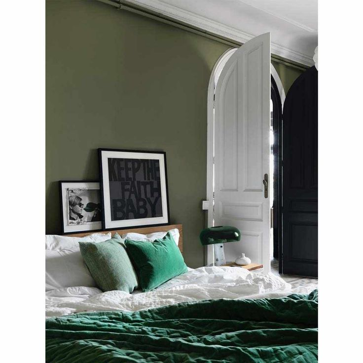 best 20 emerald green bedrooms ideas on pinterest - Green Bedroom Design