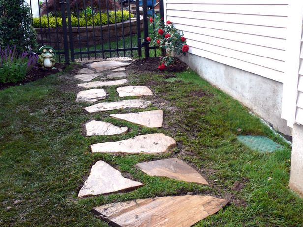 Top 10 ways to go big in your landscaping stone walkways for Natural stone walkways