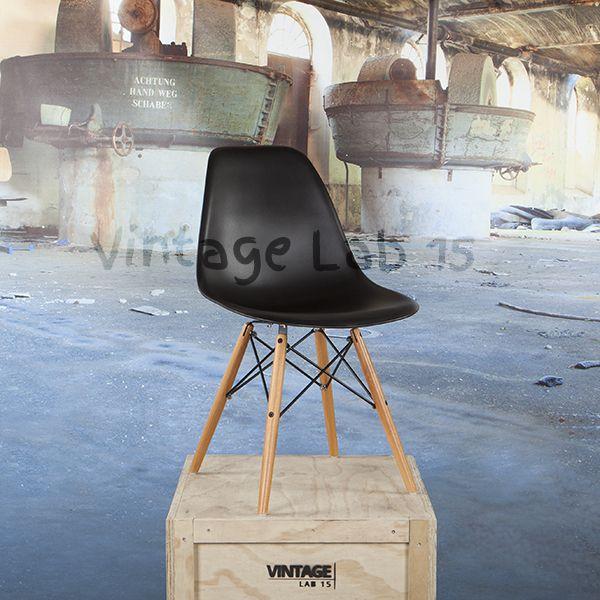 Voor wie er comfortabel en trendy bij wil zitten; met de DSW Style stoel zit je goed! Een makkelijke en comfortabele design stoel die, zonder de aandacht op te willen eisen, past bij iedere eettafel.