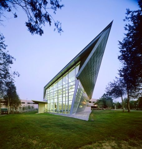 Project: Loyalist College Location: Belleville, ON Product: Zinc Architect: Teeple Architects