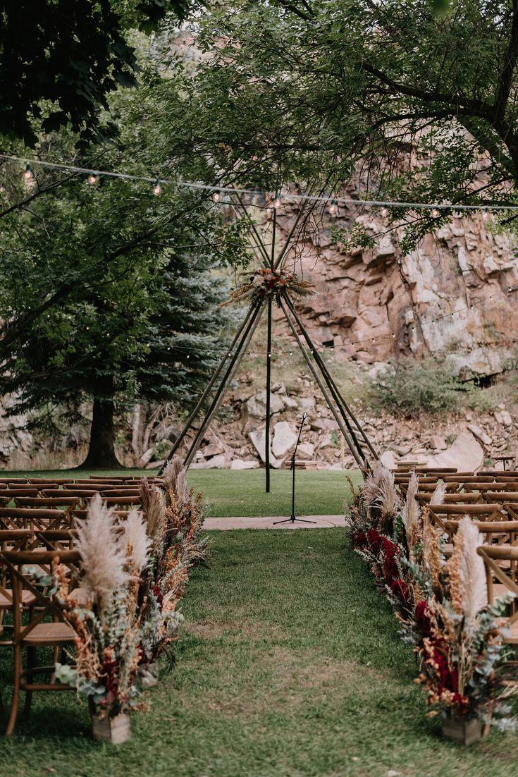 Glamouröse, Boho-Chic-Hochzeitsinspiration   Kupfer + Gold Akzente mit reicher Herbstflora …   – All Things Wedding!