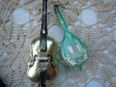 christmas horn ornaments from the 1950's pictures | Antique Blown Glass Musical Instruments Xmas Ornaments Completed