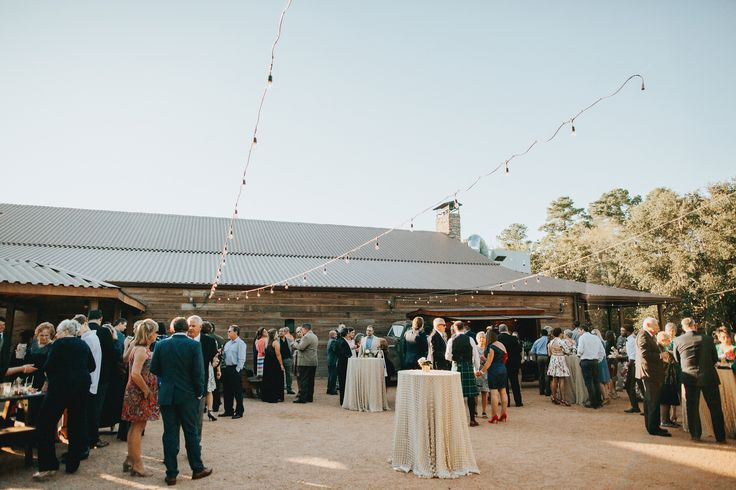 Cocktail hour in the Barn Garden Area | Big Sky Barn | Montgomery Tx | Grant Daniels Photography | www.grantdanielsphotography.com