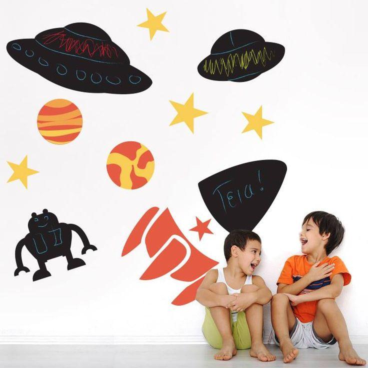 Το σωστό παιδικό δωμάτιο!  Αυτοκόλλητο μαυροπίνακας: http://www.houseart.gr/details.php?id=344&pid=13382  #houseart #space #learn #enjoy #write #decoration #chalkboard