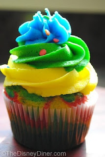 Disney Recipes: Tie-Dye Cupcakes inspired by Disney's Pop Century Resort www.TheDisneyDiner.com