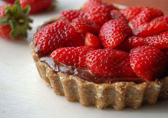 Chocolate Strawberry Tart - Dairy free, sugar free, gluten free ...