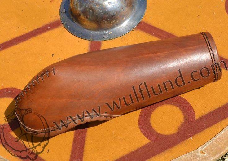 Lederarmschienen Das für den Kampf und Schwert den Arm vom Handgelenk bis zum Ellbogen schützen ausgelegt ist. Hergestellt aus dickem Leder. Hergestellt von der Schwertkämpfer Schwertkämpfer.