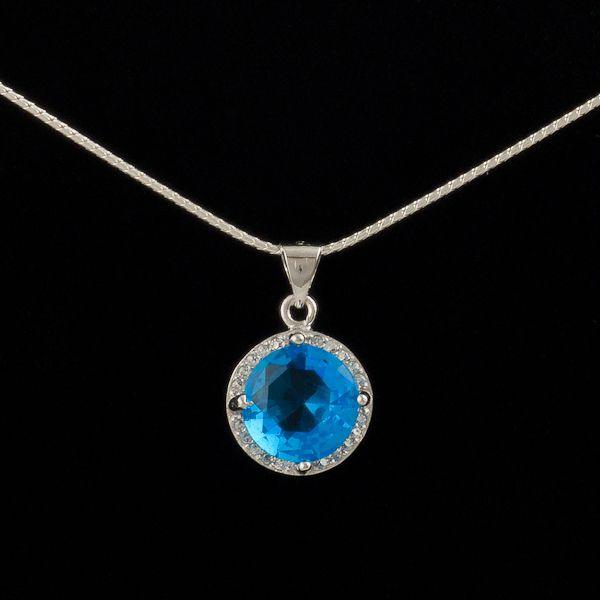 so #blue #pendants // Pandantiv cu Topaz albastru din argint doar pe www.silverbox.ro