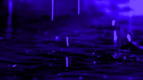 «Nunca te sientas inferior a alguien que se cree superior a tí, si hasta la lluvia que viene de lo más alto, termina cayendo siempre a nuestros pies…»