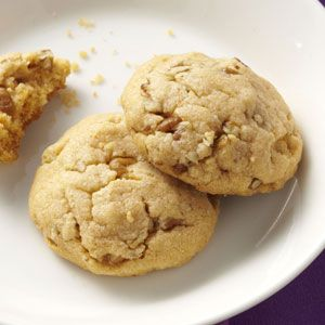 Butterscotch Pecan Cookies (My boyfriend had a dream about butterscotch pecan cookies and I've never tried them before, so now I must find a good recipe and make them! :D.)