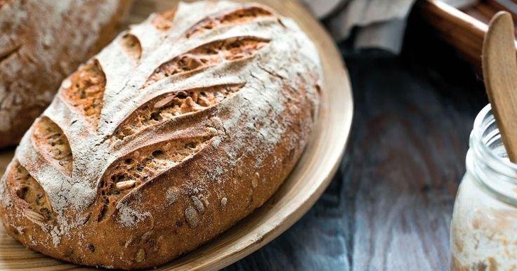 Ražný kváskový chlebík - dôkladná príprava krok za krokom. Recept patrí medzi tie najobľúbenejšie. Celý postup nájdete na online kuchárke RECEPTY.sk.