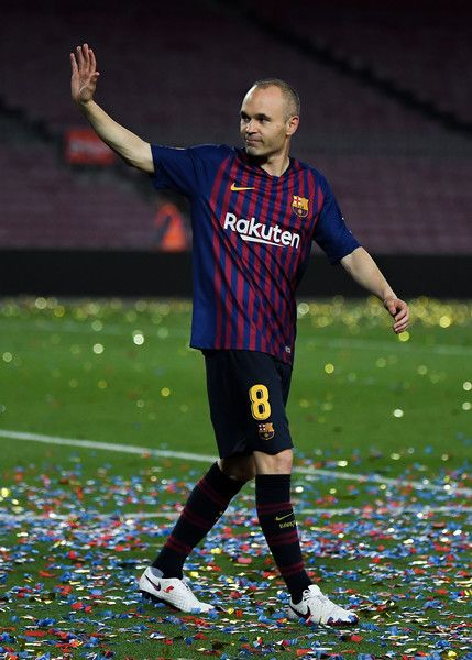 Andres Iniesta of FC Barcelona waves at the end of the La Liga match  between Barcelona and Real Sociedad at Camp Nou on May 20 c15df029724a5