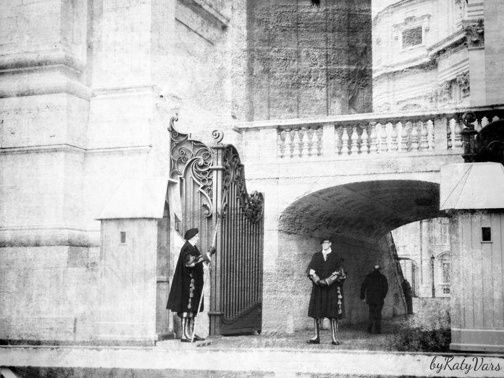 Title:# guard#  City:Vatican