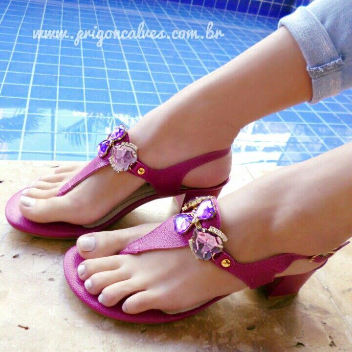 Muito amor pelo pink com pedrarias! ❤ #courolegitimo  Ref: 196 Vendas: ▶www.prigoncalves.com.br