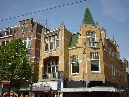 Den Haag - Frederik Hendriklaan beter bekend als ´de Fred´ Fijne winkelstraat Kijk ook op www.defred.nl