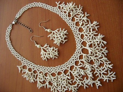 Wedding set in cream color (necklace, earrings, hairpins) / Hematite