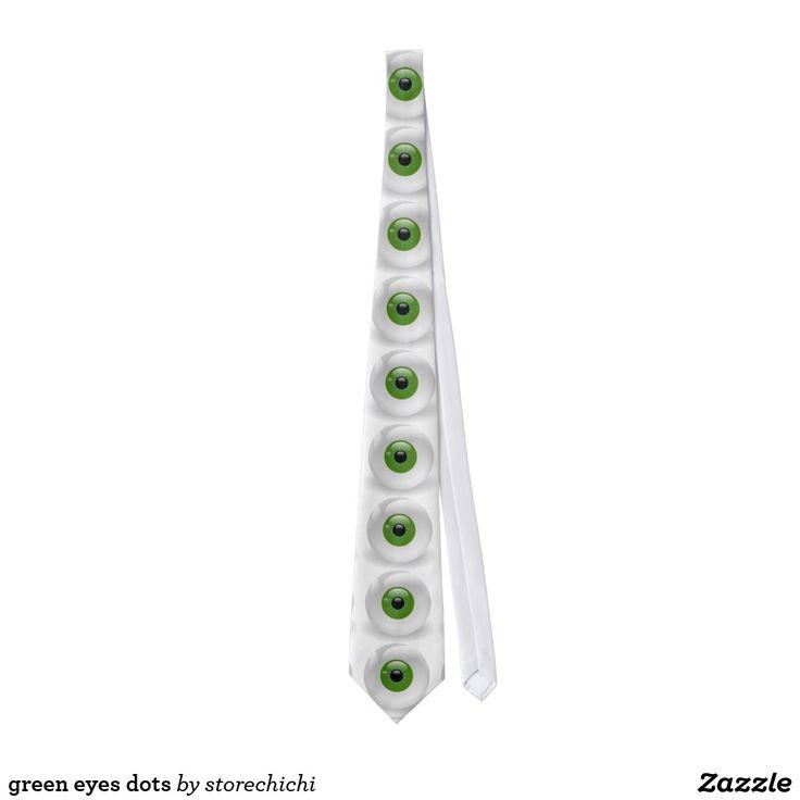 green eyes dots