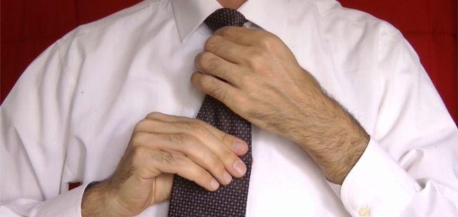 Come Fare il Nodo della Cravatta in 1 Minuto