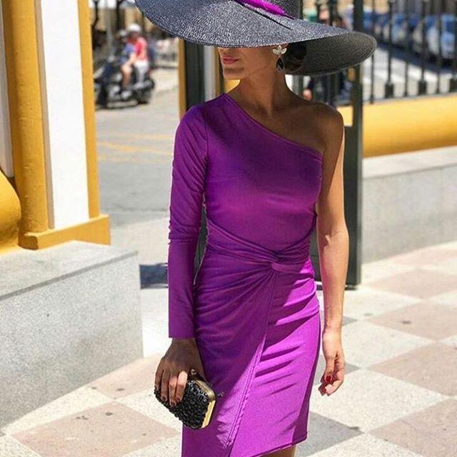 Buenas noches con una espectacular invitada perfecta con vestido de @asos_es con pamela y pendientes de @ladajewelry. @inmacuriel . . #invitada #invitadas #invitadaboda #invitadasboda #invitadaconestilo #invitadasconestilo #lookinvitada #lookboda #boda #bodas #wedding #weddingguest #guest #style #fashion #moda #invitadaperfecta #invitadasperfectas #blogger #tocado #tocados #pamela #pamelas #madrina #madrinas