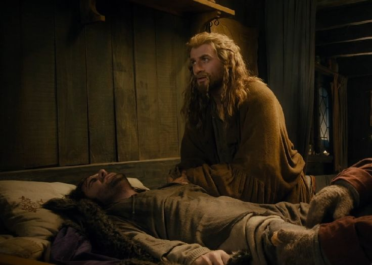 Kili suffering from the poisoned arrow.