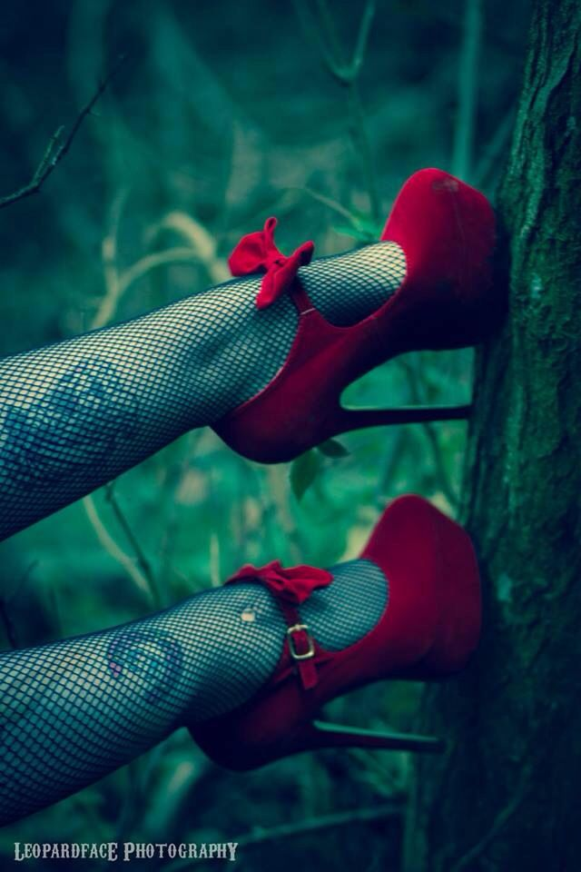 Killer heels. #leopardfacephotography #redheels