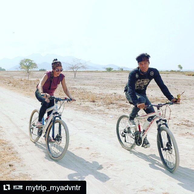 #Repost @mytrip_myadvntr with @repostapp  Jalan-jalan naik sepeda ke desa-desa yang ada di Flores oke juga nih brooo... Bisa nikmatin alam dengan lebih santai. Ini mereka mau kemana ya?!   Yuk nonton #mtmaflo sekarang di @transtv_corp .  by @indriyuliani  #mtma #flores #indonesia #bersepeda #adventure #natgeo #pacificbikes