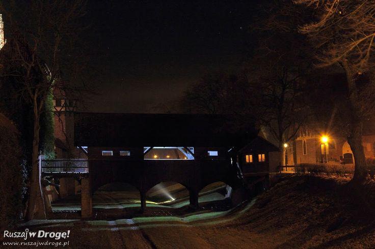 Zamek w Malborku nocą