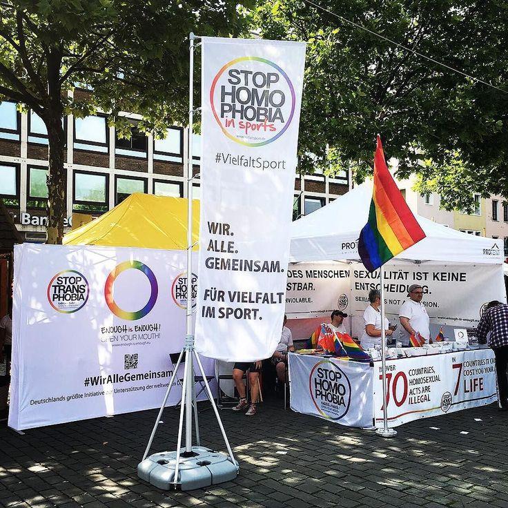 #WirAlleGemeinsam   Tag 1 des Straßenfest vom @ColognePride ist leider vorbei. Aber morgen sind wir schon wieder ab 11 Uhr für euch vor Ort. Wir freuen uns auf Euch. #EnoughisEnough #StopHomophobia #LGBTI #Community #Gesellschaft #loveislove #cologne #instagay #instagood #instaqueer #instamagandroid #pride2017 #pride #csd #köln