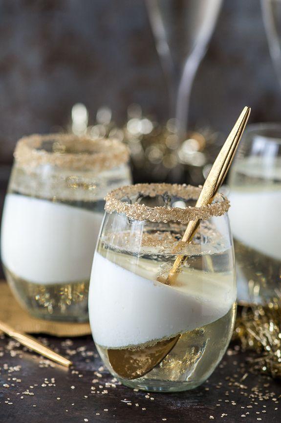 Fácil champán receta gelatina que sería un postre perfecto para la víspera de Año Nuevo!