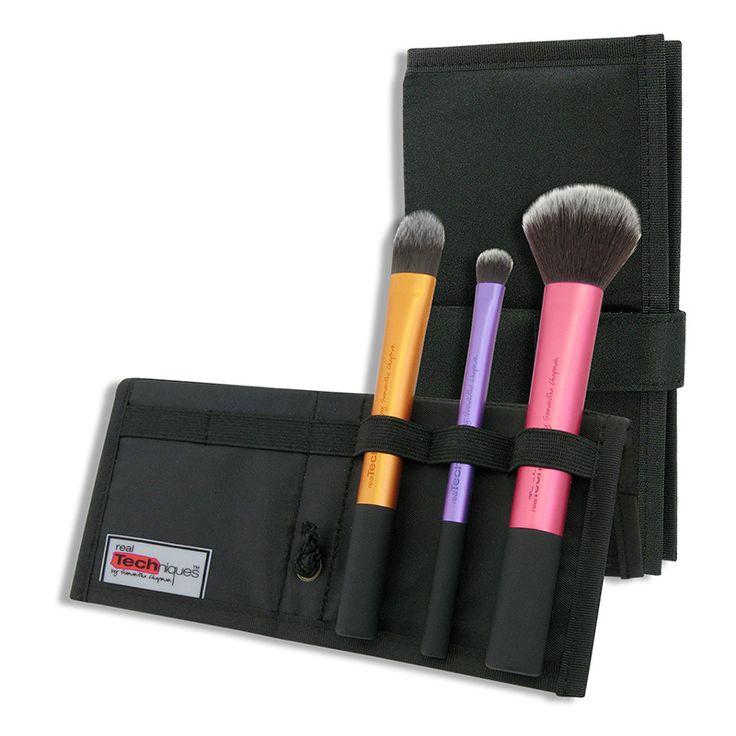 Set pensule realTechniques Travel Essentials doar pe http://www.makeup-shop.ro