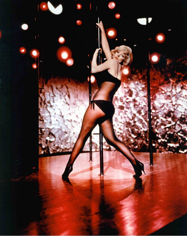 Pin Up Girl Art Vintage Wallpaper Marilynmonroe Pole Dancing In 1960 Good Cardio
