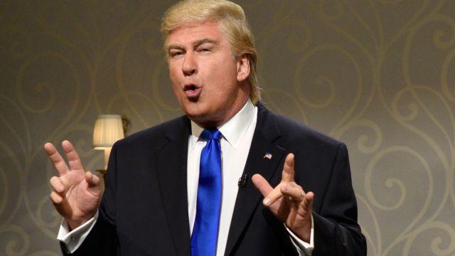 Alec Baldwin Returns to 'SNL' as an Overwhelmed Donald Trump - http://buzzistuff.com/2016/11/20/alec-baldwin-returns-snl-overwhelmed-donald-trump/