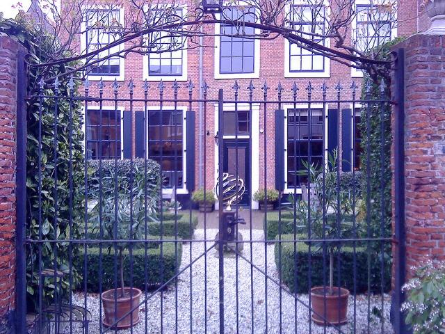 Leiden beautiful small French garden