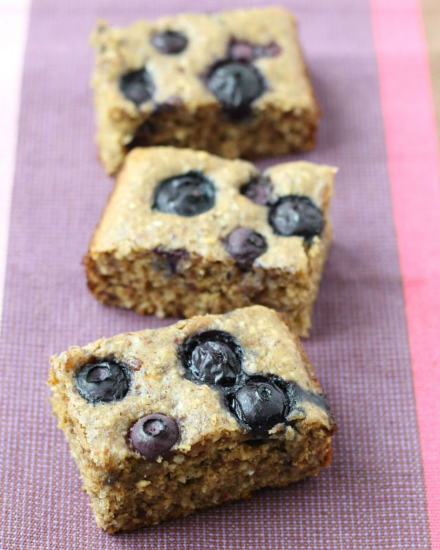 blueberry date cake