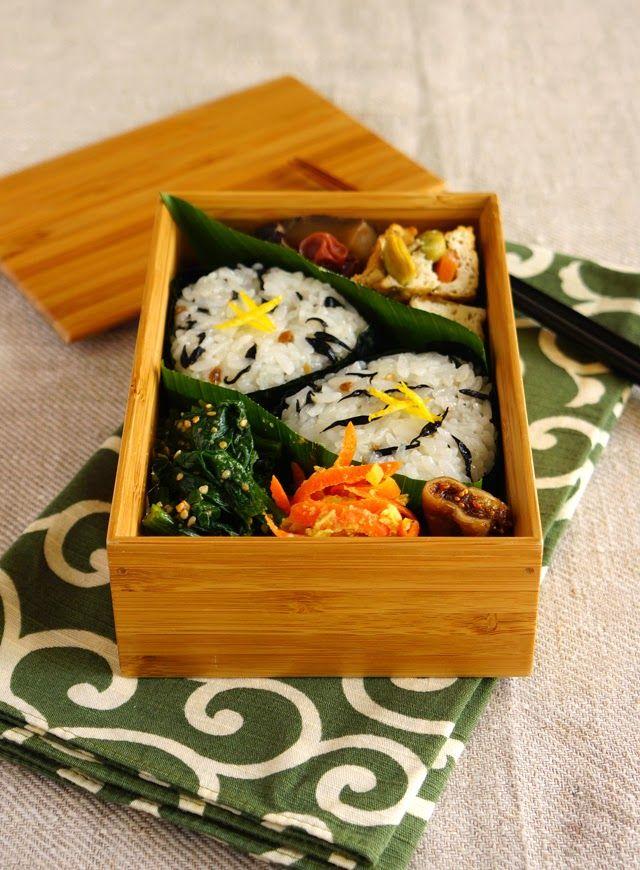 348 best images about bentos lunch boxes japanese food on pinterest sashimi temari sushi. Black Bedroom Furniture Sets. Home Design Ideas
