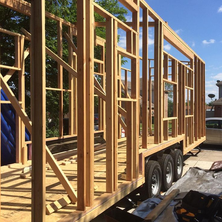 tinyhousebigtruckIt was heavier, harder, and more expensive, but I am so glad we used Douglas Fir framing lumber for the structure. #tinyhouseonwheels #tinyhouse #tinyhome #latergram thanks again to @rubencervantesjr for all of the amazing help with the framing!