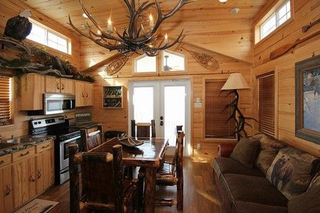 Cabin details - CrossTimbers Marina | Tulsa, Oklahoma cabin rentals, lake homes, boat repairs, lakefront property, boat rentals, marinas, Oklahoma marina
