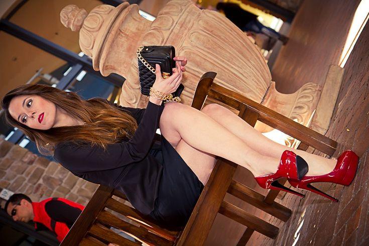 pin up  tubino nero  scarpe rosse  chanel boy  fashion report   irene colzi   irene closet   fashion blogger italia